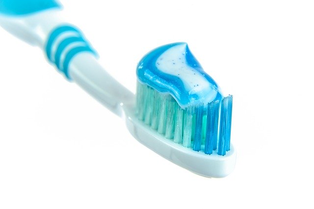 Dentifrici biologici certificati: cosa sono e dove acquistarli