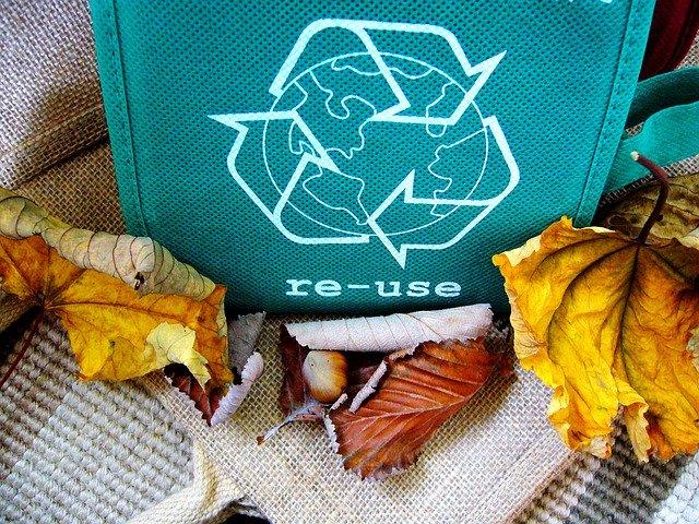 Perché riciclare oggi? Sconfiggere la noia proteggendo l'ambiente!